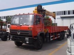 Dongfeng 6x4 6 ton truck mounted crane