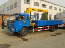 Dongfeng 3 tons truck mounted crane