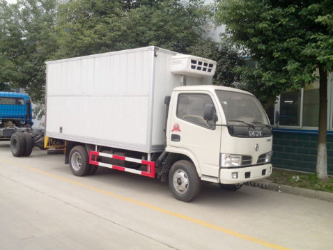 dongfeng small seafood refrigerated truck for sale_Cheap Price