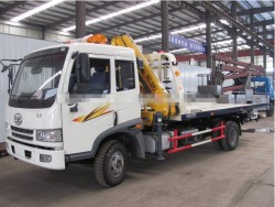 FAW platform recovery truck with 3 ton crane