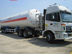Liquefied Natural Gas tanker turck trailer